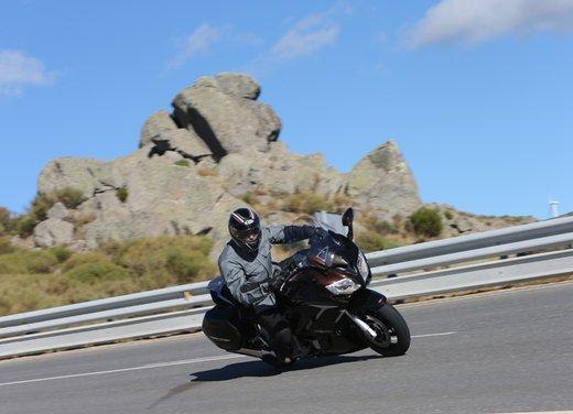 L'innovazione arriva dal turismo: Yamaha FJR 1300A - Foto 9 di 30