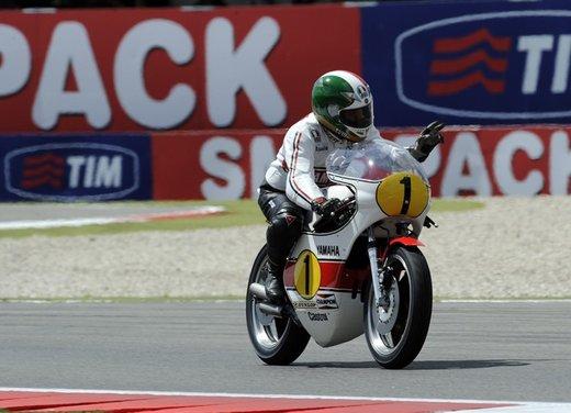 """Yamaha festeggia i suoi 50 anni nei GP alla """"200 Miglia di Imola Revival"""" - Foto 4 di 27"""
