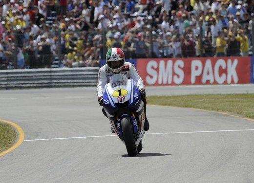 """Yamaha festeggia i suoi 50 anni nei GP alla """"200 Miglia di Imola Revival"""" - Foto 26 di 27"""