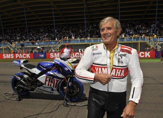 """Yamaha festeggia i suoi 50 anni nei GP alla """"200 Miglia di Imola Revival"""" - Foto 14 di 27"""