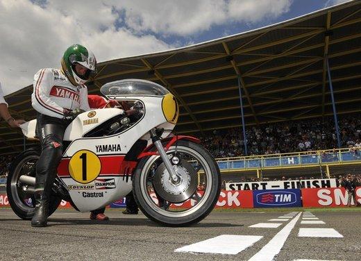 """Yamaha festeggia i suoi 50 anni nei GP alla """"200 Miglia di Imola Revival"""" - Foto 3 di 27"""