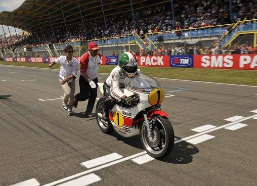 """Yamaha festeggia i suoi 50 anni nei GP alla """"200 Miglia di Imola Revival"""" - Foto 15 di 27"""