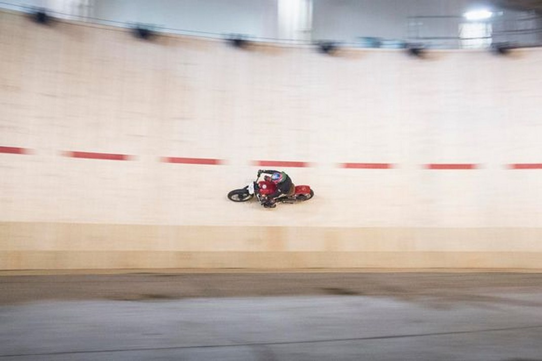 Guy Martin batte il record di velocità al Wall of Death 2016 - Foto 3 di 823167b42fd
