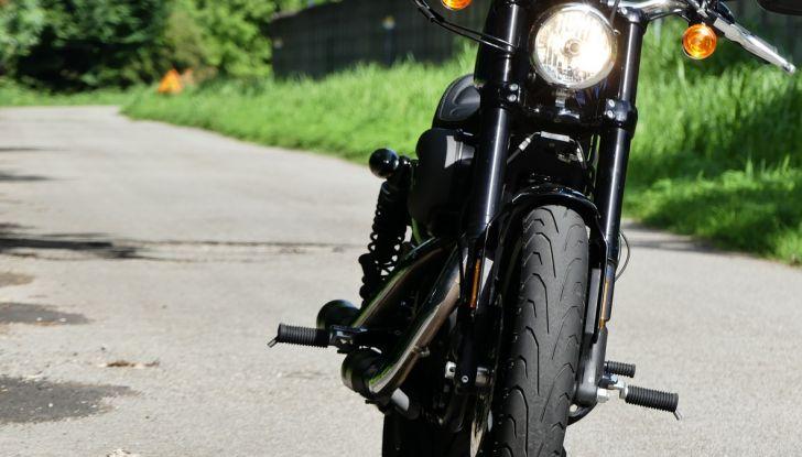 Harley-Davidson Sportster 1200 Roadster: La nostra prova del mito HD - Foto 16 di 38