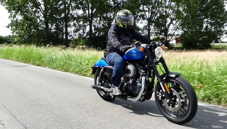 Harley-Davidson Sportster 1200 Roadster: La nostra prova del mito HD - Foto 1 di 38