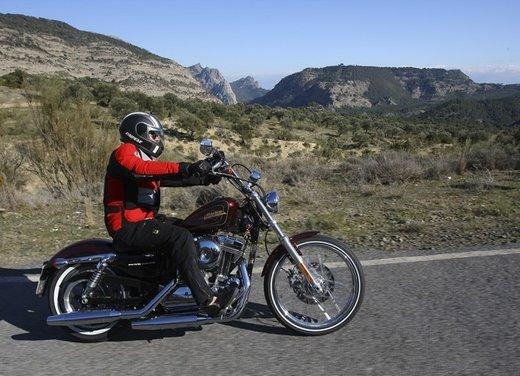 Harley Davidson Seventy-Two prova su strada della nuova Sportster - Foto 7 di 17