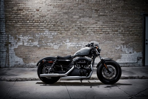 Harley-Davidson Sportster Forty-Eight - Foto 2 di 20