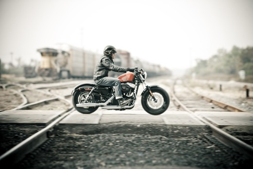 Harley-Davidson Sportster Forty-Eight - Foto 14 di 20