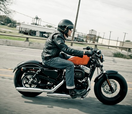 Harley-Davidson Sportster Forty-Eight - Foto 17 di 20
