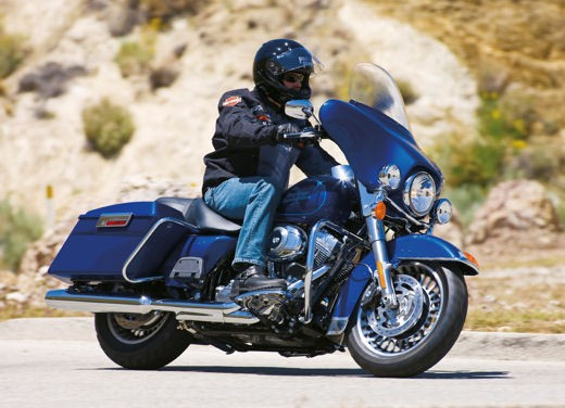 Harley Davidson FLHT Electra Glide Standard - Foto 1 di 6