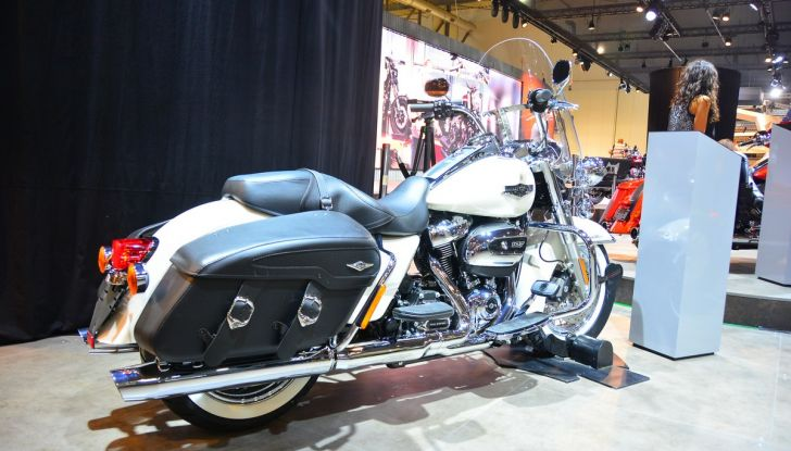 Harley Davidson rinnova Softail e Touring - Foto 20 di 37