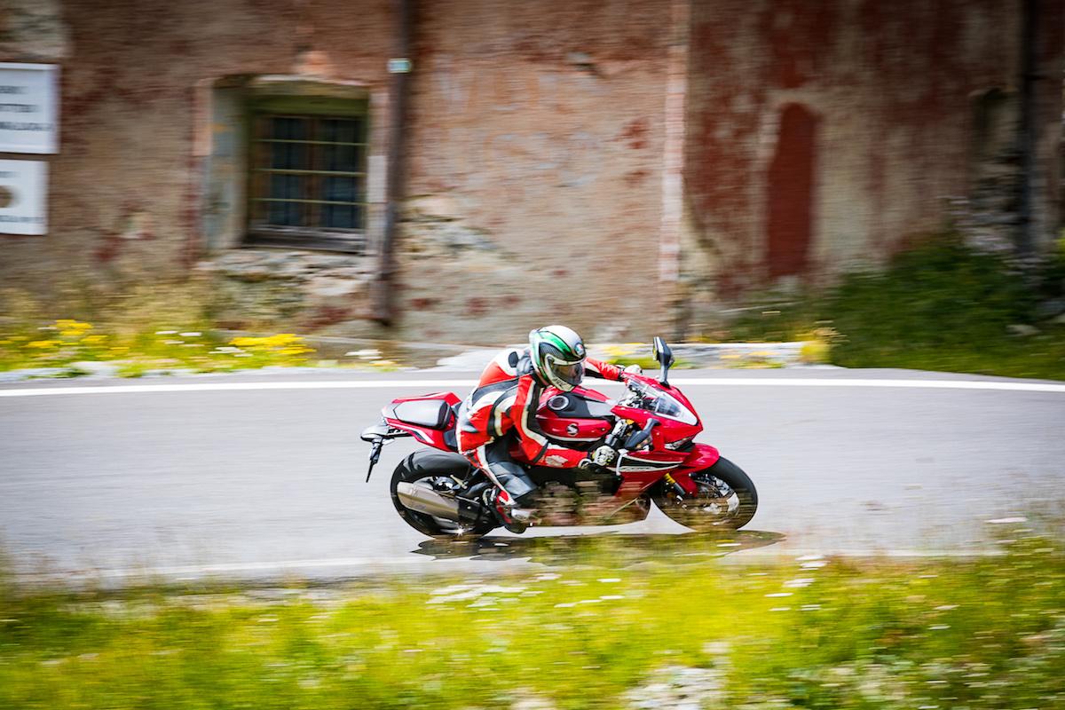 Test Ride Honda CBR 1000RR Fireblade 2018: veloce, facile e tecnologica - Foto 13 di 17