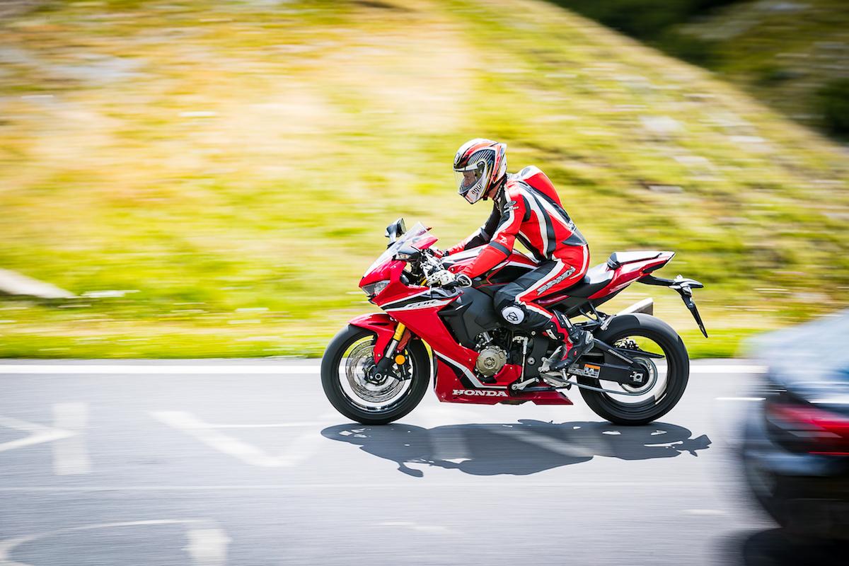 Test Ride Honda CBR 1000RR Fireblade 2018: veloce, facile e tecnologica - Foto 10 di 17
