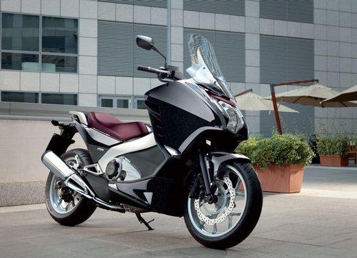 Honda Integra, compreso nel prezzo il bauletto per due caschi integrali - Foto 23 di 39