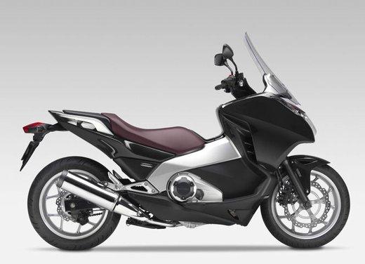 Honda Integra, compreso nel prezzo il bauletto per due caschi integrali - Foto 14 di 39