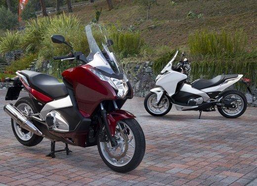 Honda Integra, compreso nel prezzo il bauletto per due caschi integrali - Foto 24 di 39