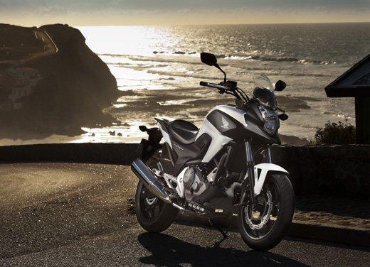 Honda NC700X: intelligenza e convenienza su due ruote - Foto 12 di 15