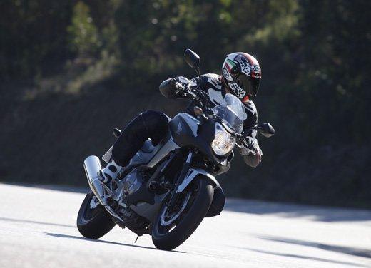Honda NC700X: intelligenza e convenienza su due ruote - Foto 5 di 15