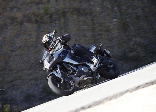 Honda NC700X: intelligenza e convenienza su due ruote - Foto 7 di 15