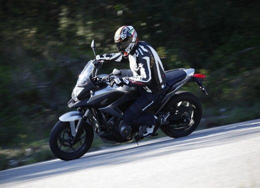 Honda NC700X: intelligenza e convenienza su due ruote - Foto 8 di 15