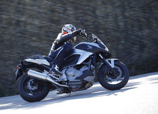 Honda NC700X: intelligenza e convenienza su due ruote - Foto 9 di 15