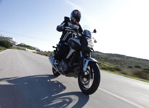 Honda NC700X: intelligenza e convenienza su due ruote - Foto 10 di 15