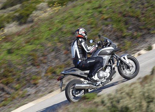 Honda NC700X: intelligenza e convenienza su due ruote - Foto 11 di 15