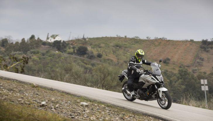 Honda NC750X 2016, La nostra prova su strada - Foto 30 di 32