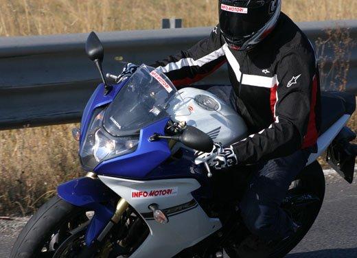 Nuova Honda CBR600F: prova su strada del modello 2011 - Foto 3 di 16