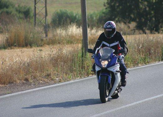 Nuova Honda CBR600F: prova su strada del modello 2011 - Foto 4 di 16