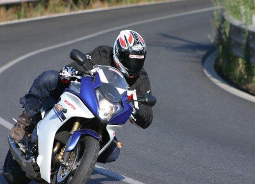 Nuova Honda CBR600F: prova su strada del modello 2011