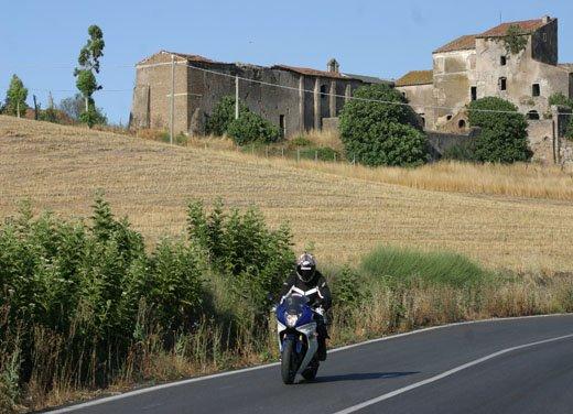 Nuova Honda CBR600F: prova su strada del modello 2011 - Foto 6 di 16