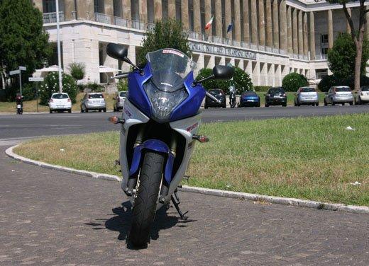 Nuova Honda CBR600F: prova su strada del modello 2011 - Foto 9 di 16