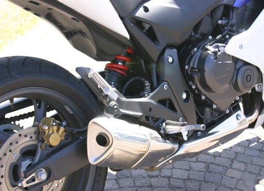 Nuova Honda CBR600F: prova su strada del modello 2011 - Foto 14 di 16