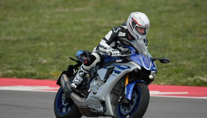A Misano con Yamaha Supersport Pro Tour 2016: Adrenalina a mille! - Foto 32 di 60