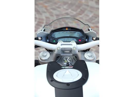 Ducati Monster 796: la via di mezzo che unisce l'utile al dilettevole - Foto 11 di 21