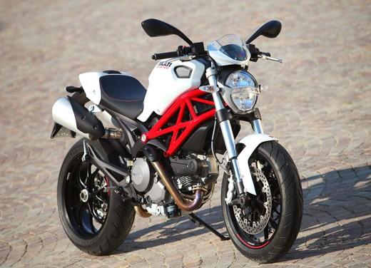 Ducati Monster 796: la via di mezzo che unisce l'utile al dilettevole - Foto 14 di 21