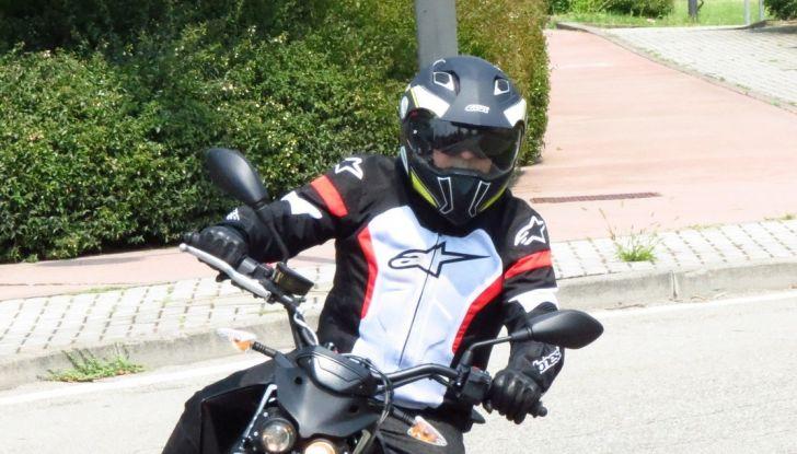 """Prova su strada: Zero Motorcycles FXS 11 kW: la """"125"""" elettrica - Foto 24 di 37"""