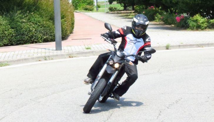 """Prova su strada: Zero Motorcycles FXS 11 kW: la """"125"""" elettrica - Foto 25 di 37"""