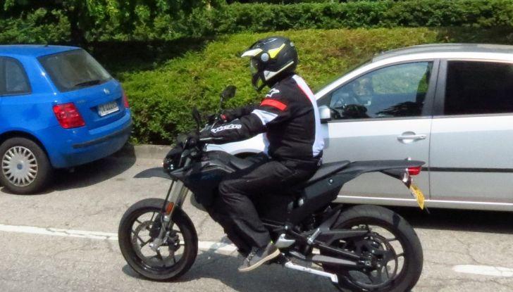 """Prova su strada: Zero Motorcycles FXS 11 kW: la """"125"""" elettrica - Foto 37 di 37"""