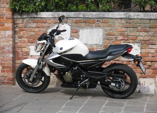 Yamaha XJ6 vs Suzuki Gladius - Foto 11 di 18