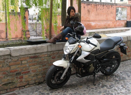 Yamaha XJ6 vs Suzuki Gladius - Foto 17 di 18