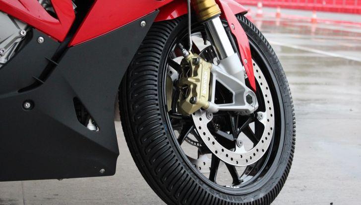 Pirelli SBK Track Days: a Imola con la BMW S1000RR - Foto 17 di 38