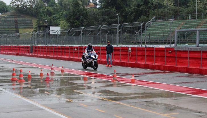 Pirelli SBK Track Days: a Imola con la BMW S1000RR - Foto 20 di 38