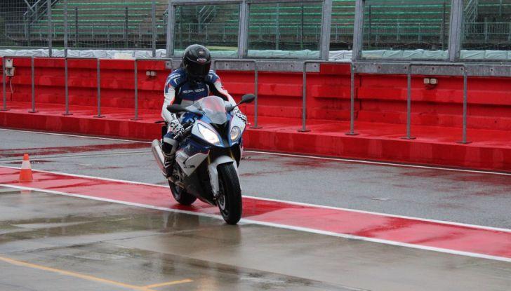 Pirelli SBK Track Days: a Imola con la BMW S1000RR - Foto 21 di 38