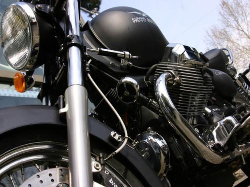 Moto Guzzi California Aquila Nera – Test Ride