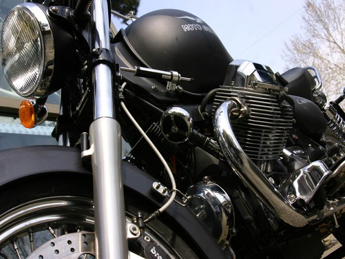 Moto Guzzi California Aquila Nera – Test Ride