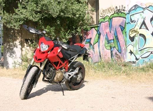 """World Ducati Week 2012: il """"Pianeta dei Campioni"""" alza il sipario - Foto 32 di 34"""