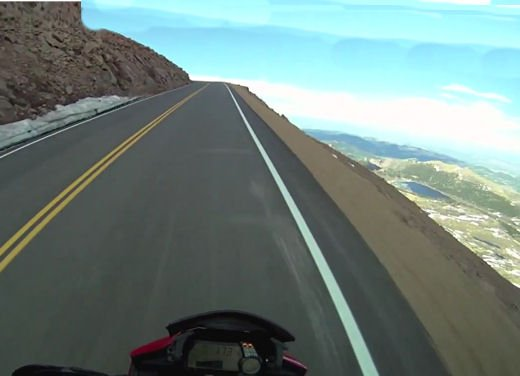 In sella alla Ducati Multistrada S sul percorso della Pikes Peak International Hill Climb - Foto 3 di 23