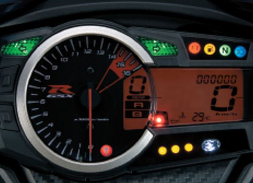 Suzuki GSX-R 750 - Foto 16 di 18